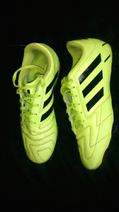 Adidas Cleats Size 6 youth