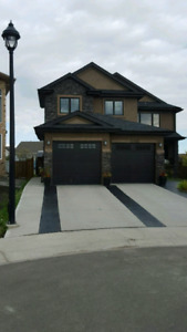BEAUTIFUL  6+ BEDROOM HOME 4200SQ FT FULLY FINISHED FOR RENT