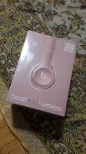 Brand new beats solo2 wireless pink edition