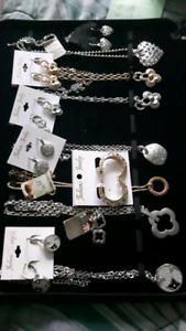 Lot de bijoux a vendre(Le tout) 500$ possibilité de triplé  votr