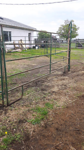 FARM GATE PANELS