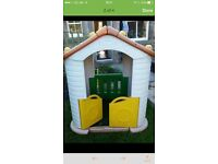 Outdoor Play House, Wendy house playhouse style, heavy & strong like Little Tikes, can deliver