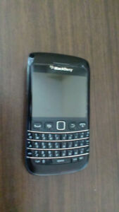 BlackBerry Bold 9790 Fido/Rogers locked mint condition