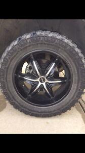 "33 x 12.50R Winrun Eco Sendero M/T tires on 20"" Helo rims"