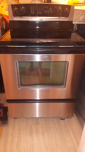 Whirlpool stainless stove excellent condition