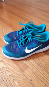 Womens Nike Running Shoes Size 6.5