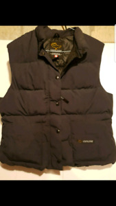 WOMANS XL CANADA GOOSE BLACK DOWN VEST