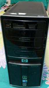 Intel Quad  Core, 6gb ram Crosair XMS2, ATI Redaon HD3600, 500HD