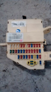 KIA RONDO BOÎTIER DE FUSIBLE  919501D530 JUNCTION  BOX