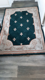Rug 4 x 6 Chinese Rug. 100% pure woolen pile. In great condition. Very heavy