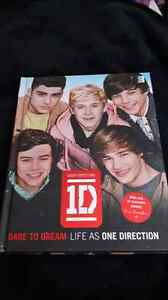 One Direction books (2 of each)  Cambridge Kitchener Area image 2