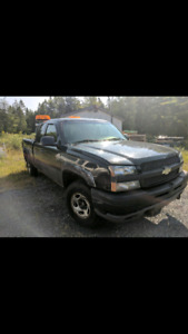 2003 Chevrolet Silverado 1500 with plow
