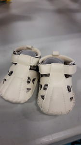 Baby boys sandals brown and white