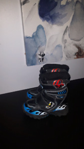 Hot Wheels Winter Boots Size 11