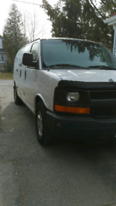 Contractors Work Van Chevy Express : A+ mechanical condition