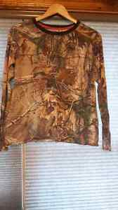 Nwot* under armour  camouflage long sleeve
