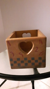A pair  of wooden boxes. (Lot of 2)
