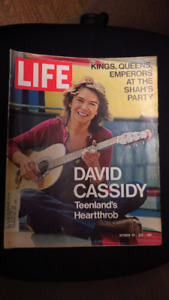 DAVID CASSIDY ON COVER OF LIFE MAGAZINE 1971
