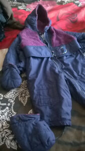 WINTER COSTUME SIZE 24 M, LIKE NEW! FOR BOYS AND GIRLS