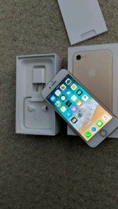 MINT CONDITION IN BOX! APPLE IPHONE 7 32GB!