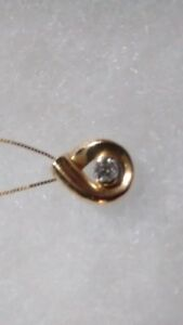 Authentic Canadian Diamond pendant and chain