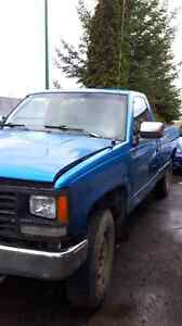 Need gone ASAP 91 Chevrolet 1500 4x4 & parts truck