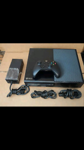 Xbox one , 23 games 3 controllers