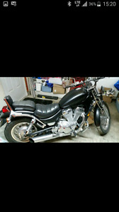 Suzuki intruder 1984  2500$