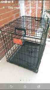 Dog cage almost new. Cage a chien comme neuf