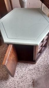 Table with Storage Kingston Kingston Area image 2