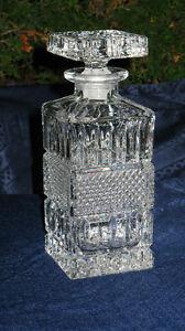 Carafe en cristal rectangulaire à base carrée 9 po de haut