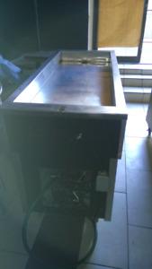 table à salade avec système de réfrigérateur neuve
