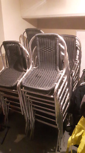 Chaises 5$ chacune!
