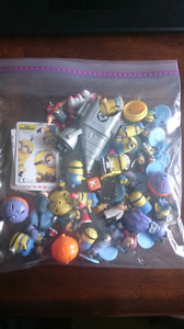 Minion figures and game