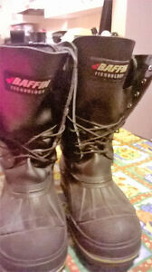 Men's Baffin steel toe winter boots size 9 for extreme cold