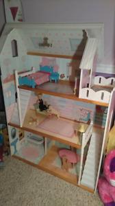 Barbie House Wooden Excellent Condition