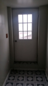 Downstairs FULL apartment for 550 $ MONTHLY