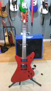 rare red peavey tragic ii with coffin case