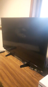 "1080p 32"" LCD TV *QUICKSALE FOR PICKUP IN ORANGEVILLE*"
