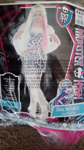 Girl Abbey Bominable costume monster high