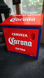 Corona Large Ice Chest