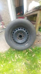 Single 15 inch Wheel w/ 195/60 R15