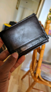 Roots Wallet@$30 firm