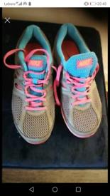 Womens Nike 'Dual Fusion' Trainers