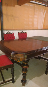 Estate dining room furniture