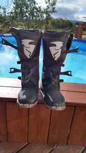 BRAND NEW SIZE 11 THOR BOOTS 90$OBO