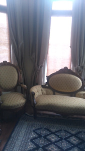 Victorian antique sofa with two chairs