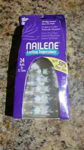 Unopened press on nails