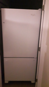 Whirlpool refrigerator excellent condition