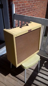 Fender Blues DeVille 4x10 Tweed ampli à lampes
